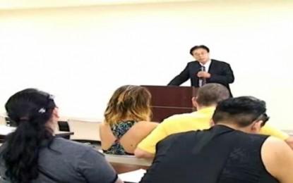 9月19日にMIEFが開催した「外国人住民のための起業」出前説明会 セミナーには小企業のサポートをする専門家、Bell Martグループの社長、Portal Mie株式会社の代表らが話をしました。