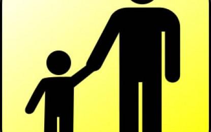 児童手当を受けている方は、「現況届」を6月中に提出しなければなりません。